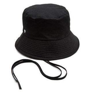 MACK BARRY MCBRY STRAP BUCKET HAT BLACK