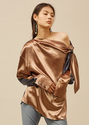 <img class='new_mark_img1' src='https://img.shop-pro.jp/img/new/icons16.gif' style='border:none;display:inline;margin:0px;padding:0px;width:auto;' />one shoulder blouse