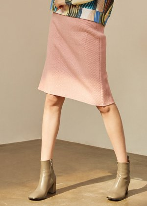 <img class='new_mark_img1' src='https://img.shop-pro.jp/img/new/icons16.gif' style='border:none;display:inline;margin:0px;padding:0px;width:auto;' />pink wool skirt