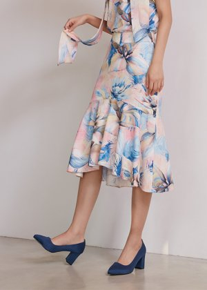 <img class='new_mark_img1' src='https://img.shop-pro.jp/img/new/icons16.gif' style='border:none;display:inline;margin:0px;padding:0px;width:auto;' />flounce skirt