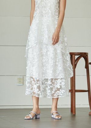 snow lace skirt