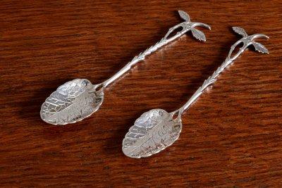 木の葉と小枝の純銀ティースプーン ペア