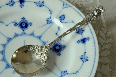 純銀デザートスプーン シェルとローズ