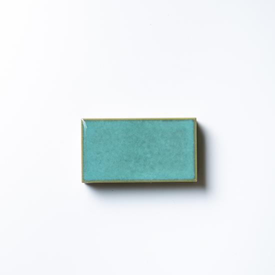 オリジナルタイル通販のタイルメイド 焼き物の風合いむらタイル 緑むらタイル 小口(ケース)