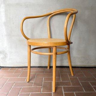 B9 / 209 Arm Chair (B)