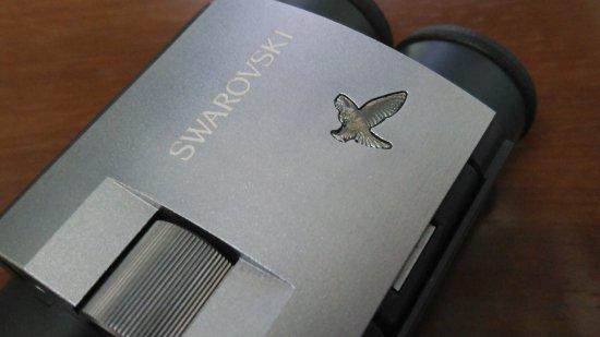 コラム:スワロフスキー・オプティック製品の鳥のマークは何の鳥?!