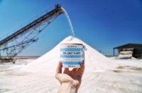 ソルト 「オルソンズ ソルト 」サウスオーストラリアとクィーンズランドに広大な塩田があり、最適な環境で太陽と風の働きによって、化学的工程とは無縁の純粋で良質なソルトが作られています。