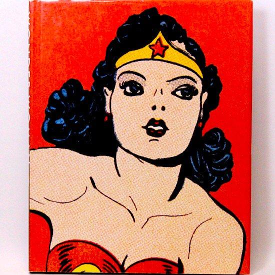 Wonder Woman The Complete History  Les Daniels
