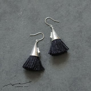 accessories mau (アクセサリー マウ)  つつっぽ silver ピアス(黒)