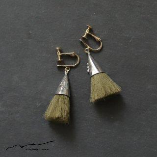 accessories mau (アクセサリー マウ)  つつっぽ silver イヤリング(オリーブ)