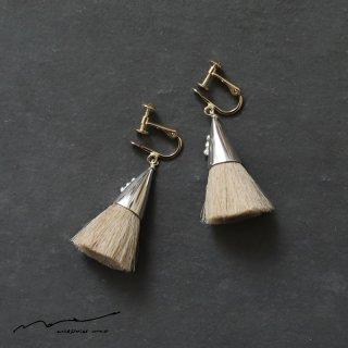 accessories mau (アクセサリー マウ)  つつっぽ silver イヤリング(ベージュ)