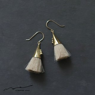 accessories mau (アクセサリー マウ)  つつっぽ brass ピアス(ベージュ)