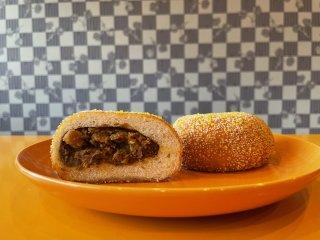 カレー揚げパン(旨辛)