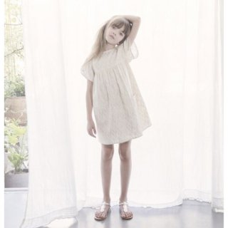 <img class='new_mark_img1' src='https://img.shop-pro.jp/img/new/icons20.gif' style='border:none;display:inline;margin:0px;padding:0px;width:auto;' />50%OFF Louis Louise  フリルスリーブラメワンピース