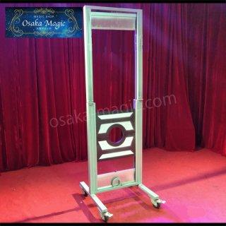 新デラックスフレンチ首ギロチン~French guillotine illusion~