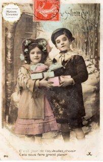 フランスアンティーク ポストカード プレゼントを持つ上流階級の兄妹【普通郵便送料無料】