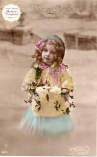 フランスアンティーク ポストカード 毛皮のマフに手を入れる可愛い女の子【普通郵便送料無料】