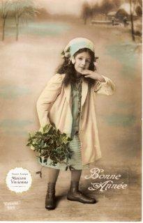 フランスアンティーク ポストカード ヒイラギを持つ美少女【普通郵便送料無料】