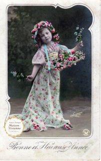 フランスアンティーク ポストカード 薔薇売りに扮した可愛い女の子【普通郵便送料無料】