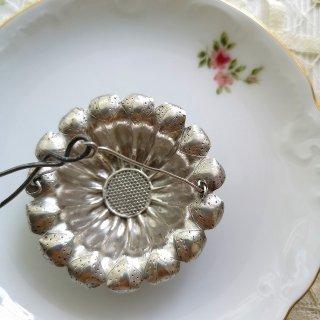 フランスアンティーク マーガレットモチーフ  スターリングシルバー(純銀)ティーストレーナー 茶こし(パソワール ア テ)