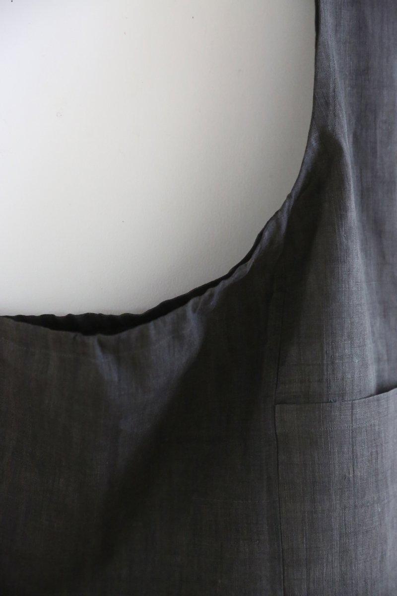 手織り苧麻布エプロン|墨染め濃