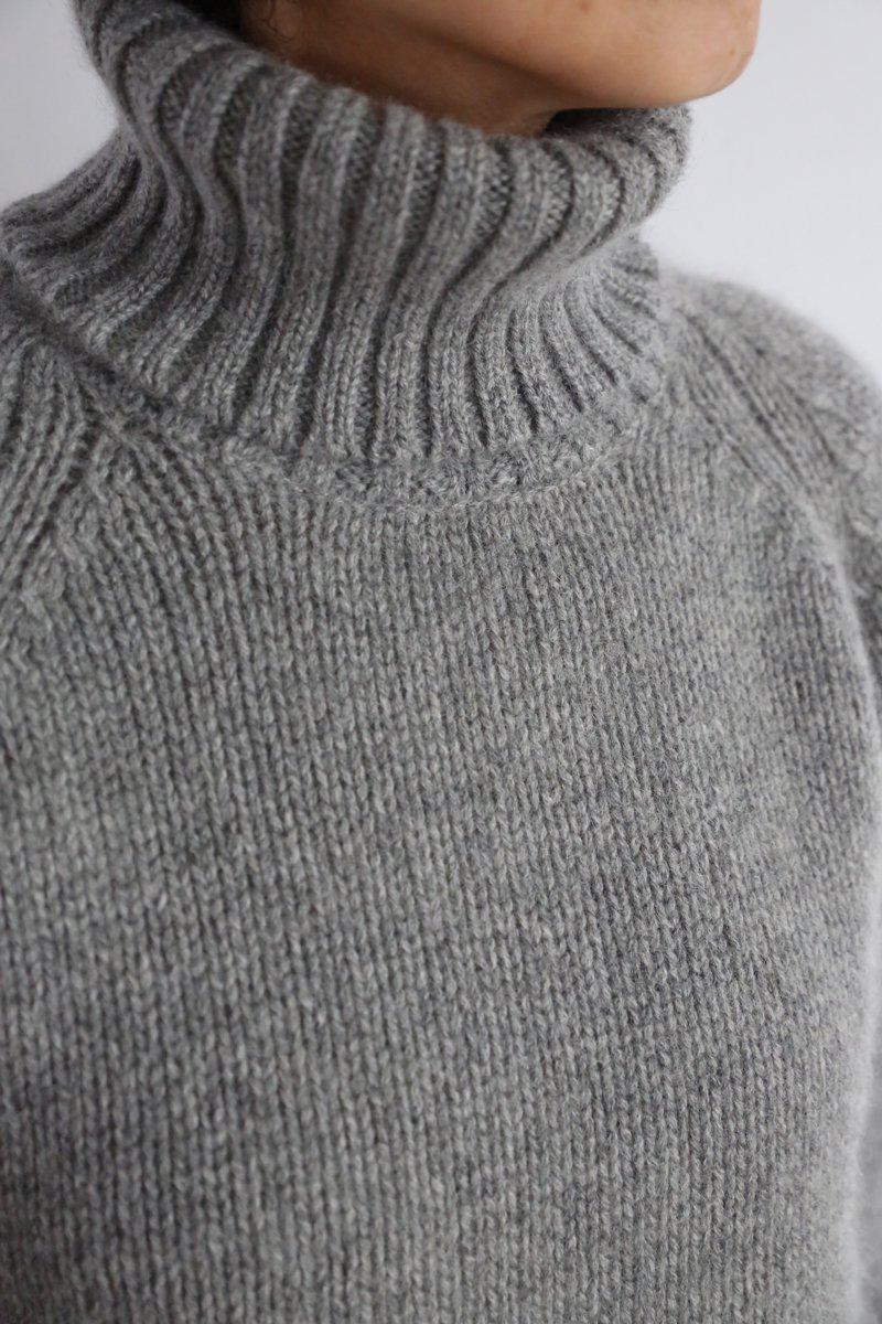 Yak Turtle neck Sweater|gray