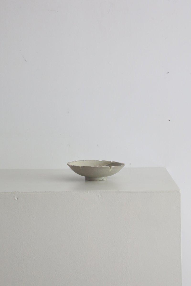 粉引輪花皿