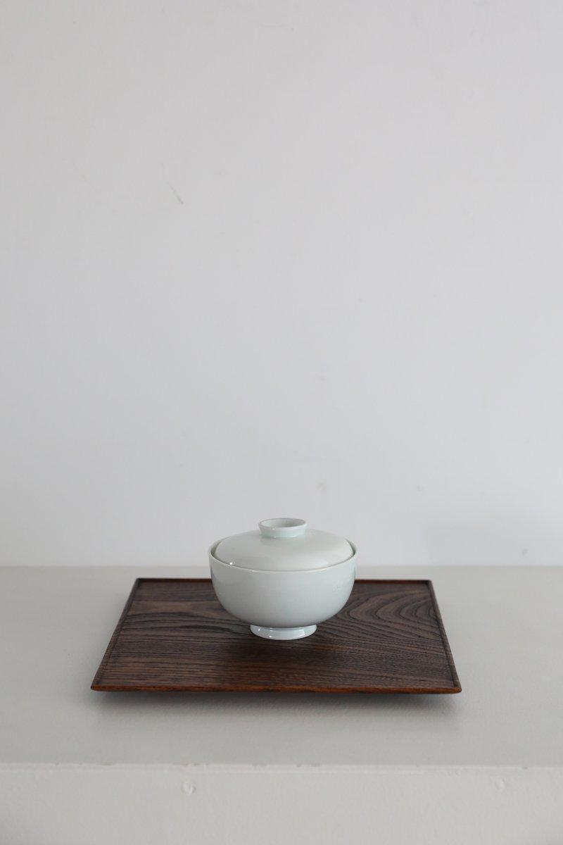 白土葉内花紋蓋付碗