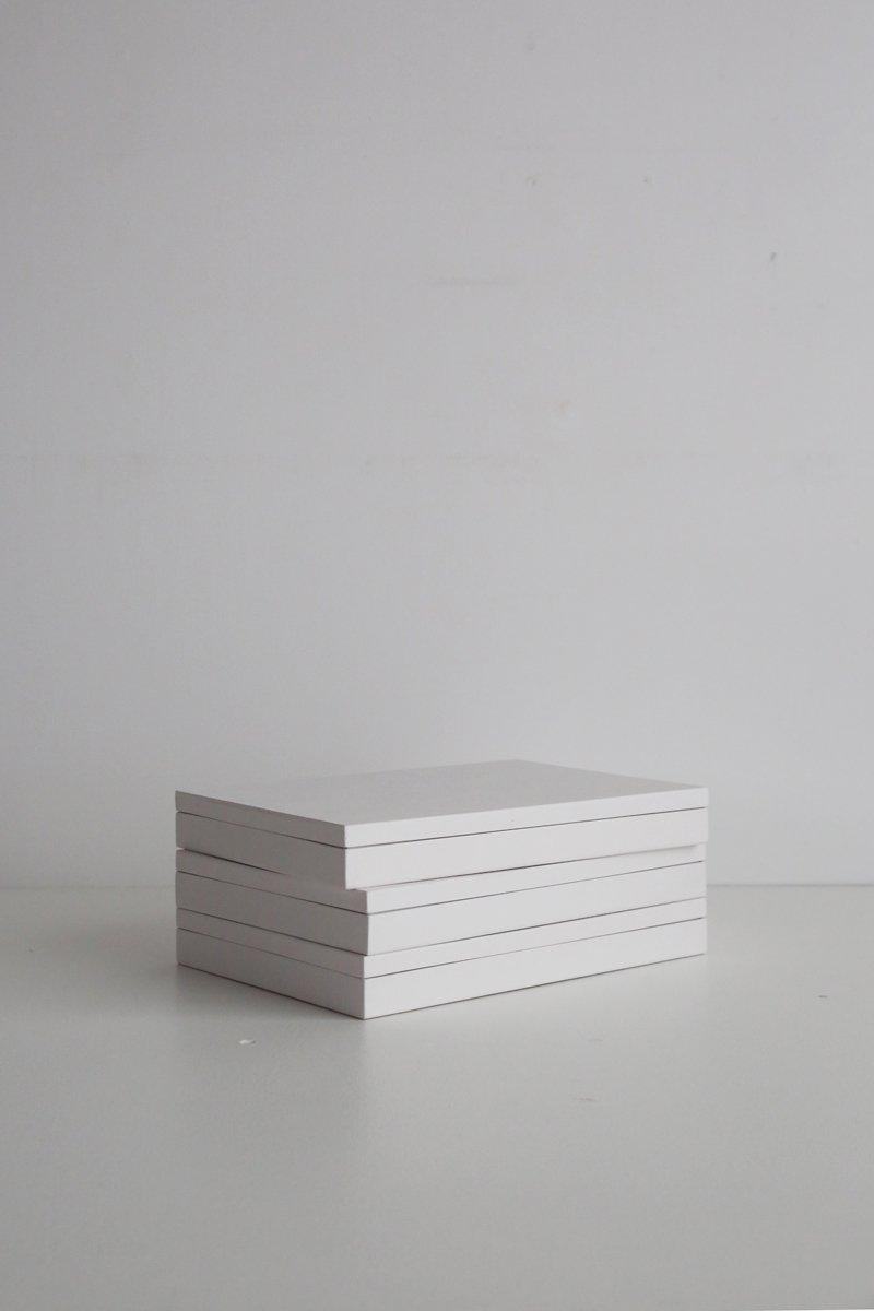 B5サイズの箱 ペールグレー