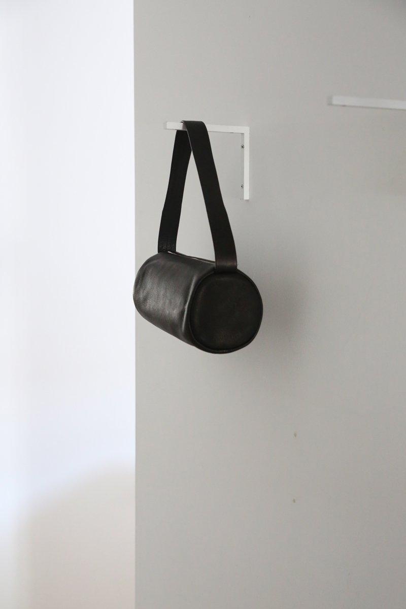 Cylinder One Shoulder|black
