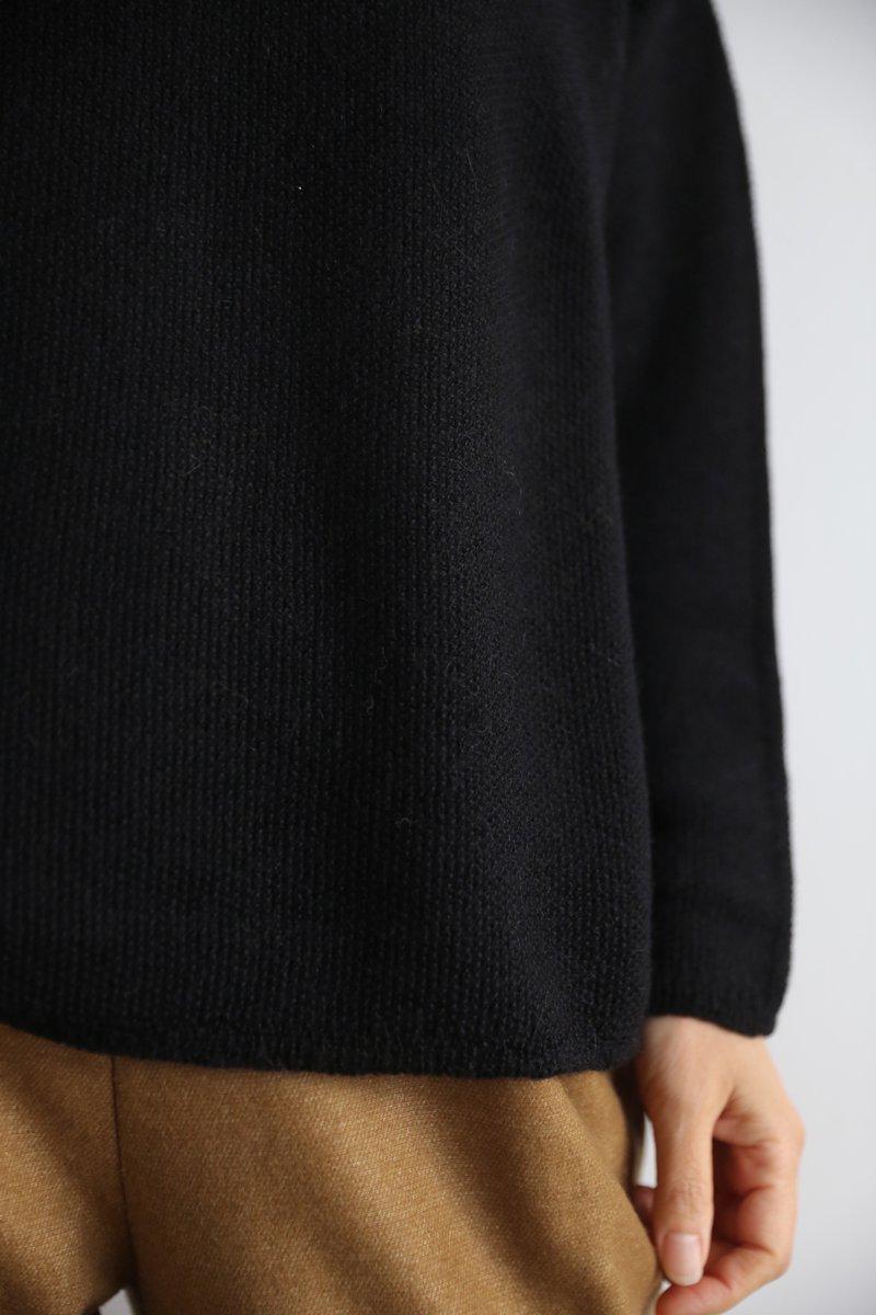 Royal Baby Alpaca Large Sweater|black