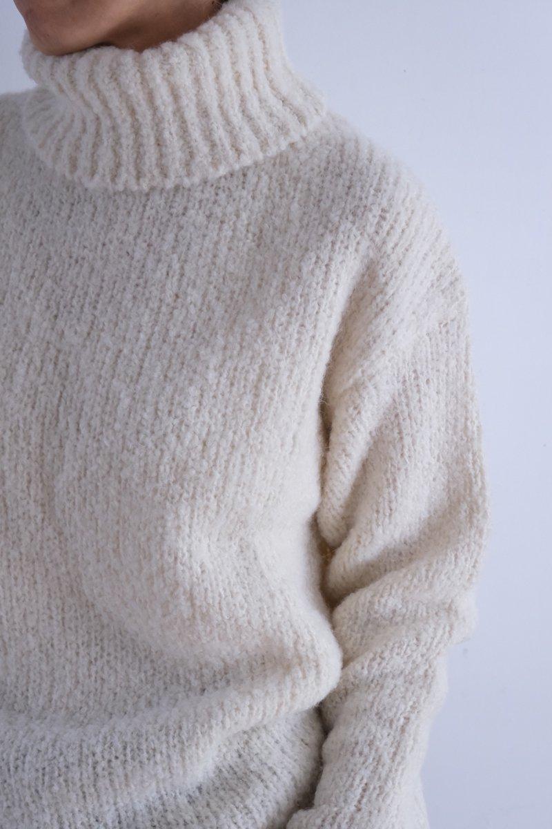 B.Alpaca/Sheep.w Loop Turtle neck sweater|off white