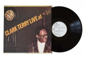 Clark Terry / Live At 木馬 Vol.3 / クラーク・テリー<img class='new_mark_img2' src='https://img.shop-pro.jp/img/new/icons3.gif' style='border:none;display:inline;margin:0px;padding:0px;width:auto;' />
