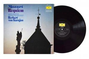モーツァルト : レクィエム / ヘルベルト・フォン・カラヤン / ベルリン・フィルハーモニー管弦楽団