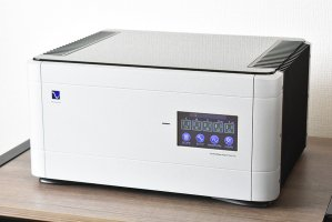 PS Audio / PerfectWave Power Plant 10 Silver