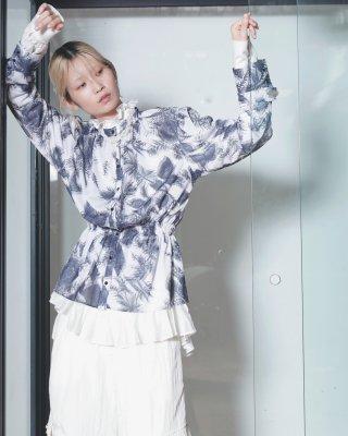 3D botanical print blouse (navy)
