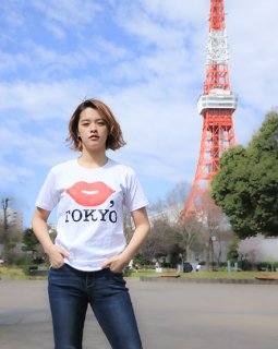 KISS,TOKYO OFFICIAL TEE【RED】<img class='new_mark_img2' src='https://img.shop-pro.jp/img/new/icons29.gif' style='border:none;display:inline;margin:0px;padding:0px;width:auto;' />