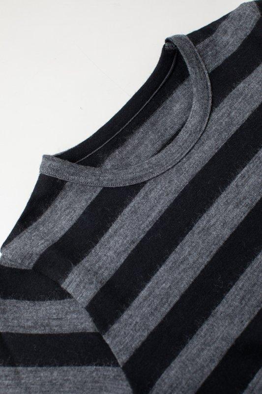 a. 厚手ウールボーダーTシャツ