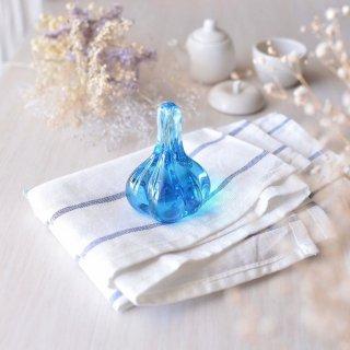 【青森県/白神ガラス工房】にんにくペーパーウェイト 水色