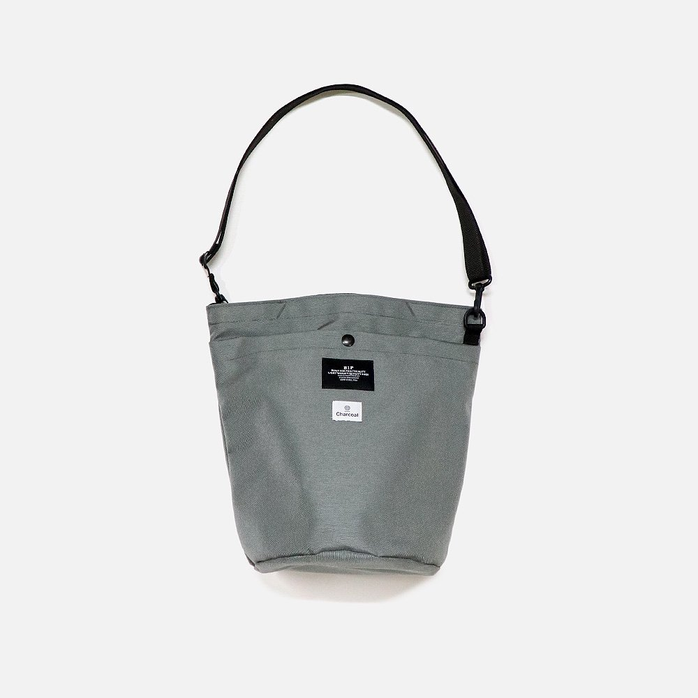 Bip Circle Shoulder Tote