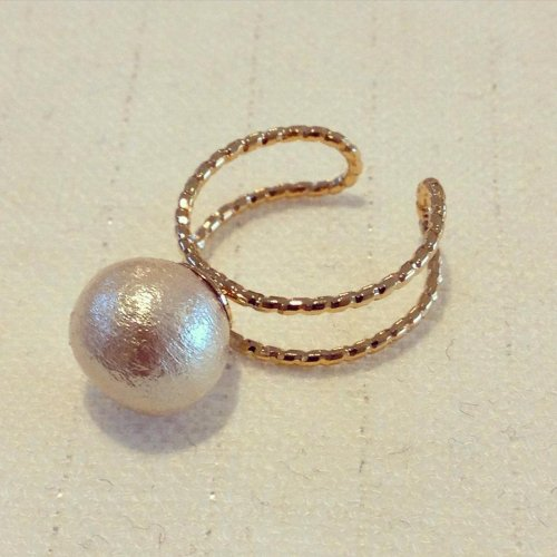 Cotton pearl ring 10mm