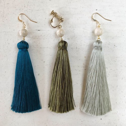 Big tassel pierce (片耳販売)