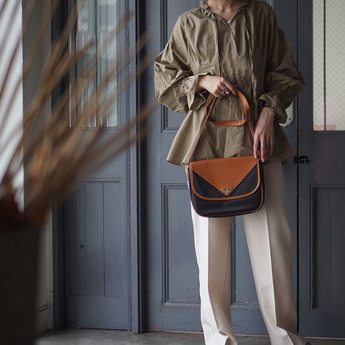 vintage YVES SAINT LAURENT(イヴ・サンローラン)ショルダーバッグ1