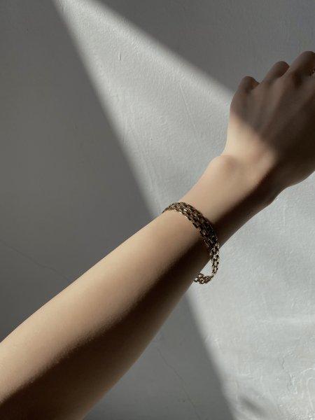 <img class='new_mark_img1' src='https://img.shop-pro.jp/img/new/icons6.gif' style='border:none;display:inline;margin:0px;padding:0px;width:auto;' />《予約販売》belt bracelet