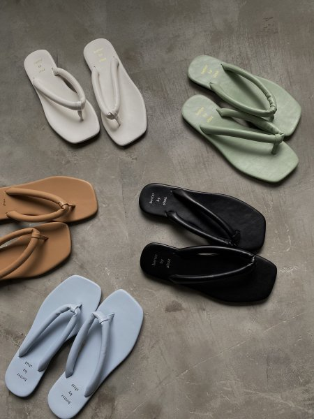 <img class='new_mark_img1' src='https://img.shop-pro.jp/img/new/icons6.gif' style='border:none;display:inline;margin:0px;padding:0px;width:auto;' />《予約販売》platform sole flat sandal