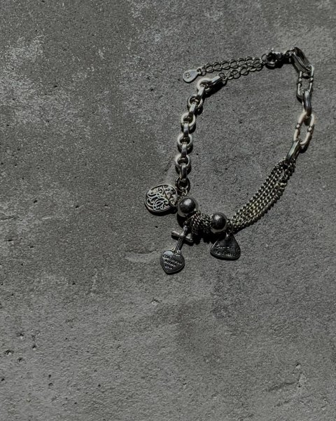 <img class='new_mark_img1' src='https://img.shop-pro.jp/img/new/icons8.gif' style='border:none;display:inline;margin:0px;padding:0px;width:auto;' />silver925 triple chain bracelet