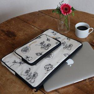 モノトーン花柄パソコンケース