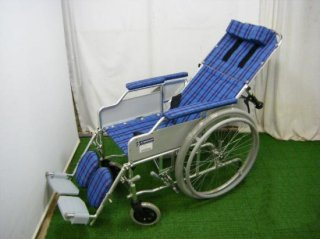 【中古車椅子】《Sランク品》カワムラサイクル リクライニング車椅子 RR50-DN(WCK313)