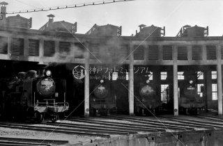 小山機関区 扇形庫 1964年12月
