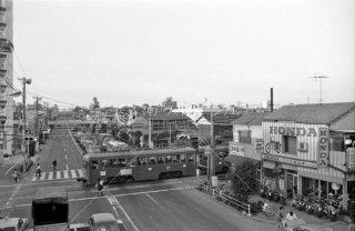 東京急行電鉄 世田谷線 若林駅付近の環状7号線踏切 1974年10月